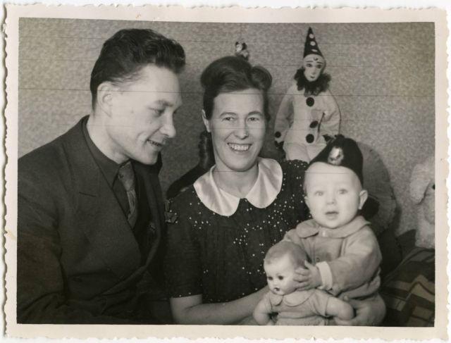 Naised, lapsed ja sõda. 1943